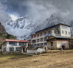 Everest Base Camp Luxury Trekking