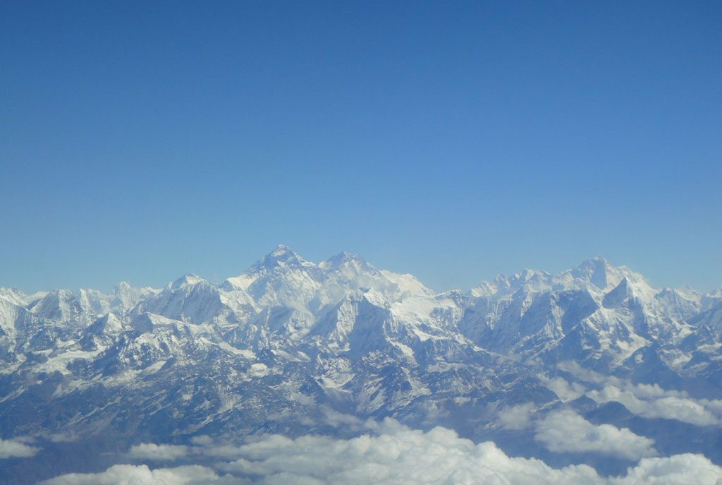 mountain-flight-in-nepal